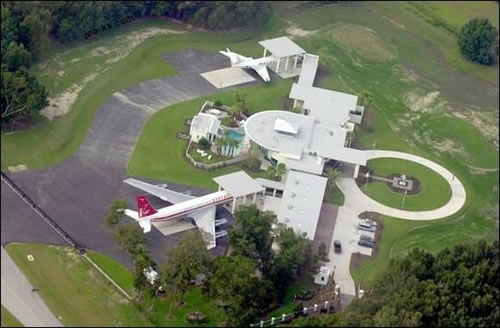 """Jumbolair in Ocala, Florida, is an """"airpark"""" where people live in ..."""