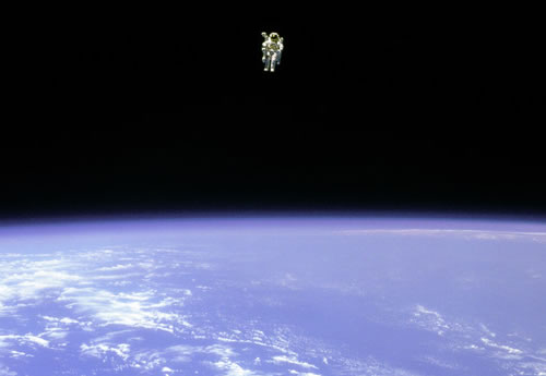 astronaut untethered space walk - photo #10