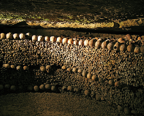 paris-catacombs-2-wall-of-bones - Tomb designs - Lifestyle, Culture and Arts