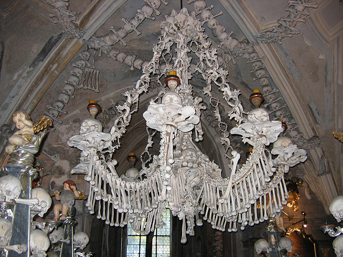 sedlec-ossuary-chandelier - Tomb designs - Lifestyle, Culture and Arts