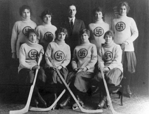 the-swastikas-hockey-team.jpg