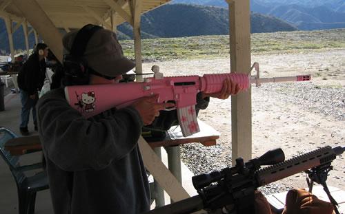 hello-kitty-ar15-assault-rifle.jpg