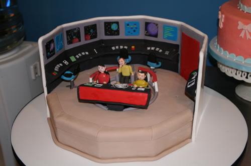 Cake Tv Show Usa : Star Trek Cake - Neatorama