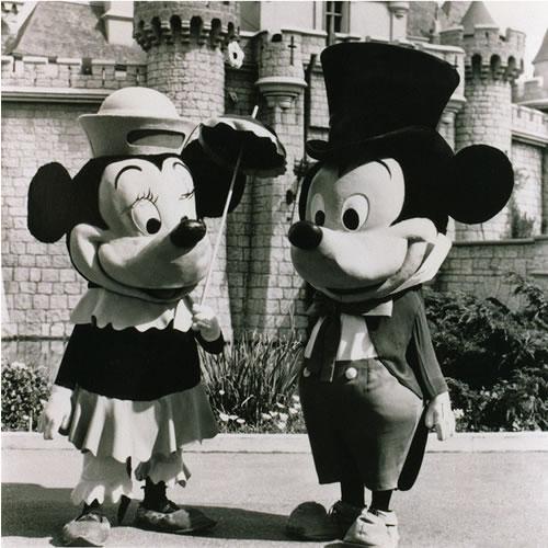 前へ 次へ 出典  ディズニー開園当時のプーさんが衝撃!それどころかミッキーも凄い!