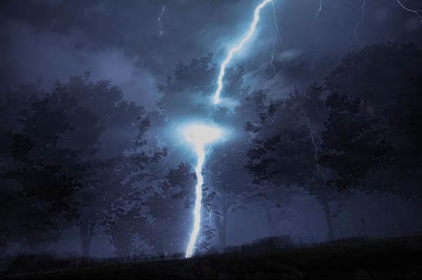http://static.neatorama.com/images/2012-09/lightning-strike-tree.jpg