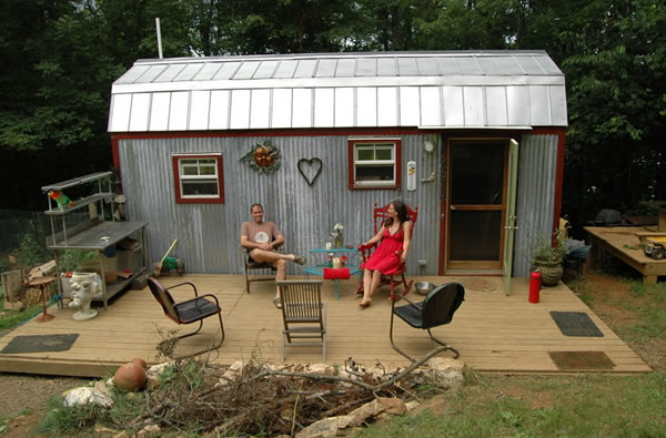living large in a tiny house neatorama - A Tiny House