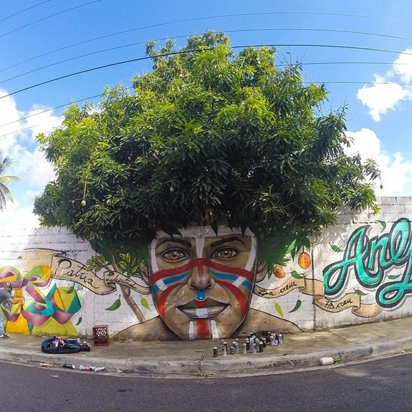 "5 Awesome ""Graffitrees"": Graffiti with Actual Trees"