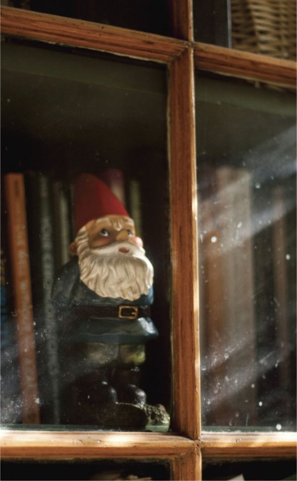 Beautiful 5 Life Saving Techniques For Surviving A Garden Gnome Attack During The  Holidays   Neatorama