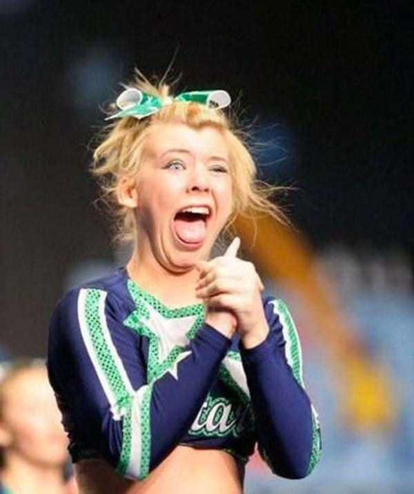 25 Cheerleading Fails
