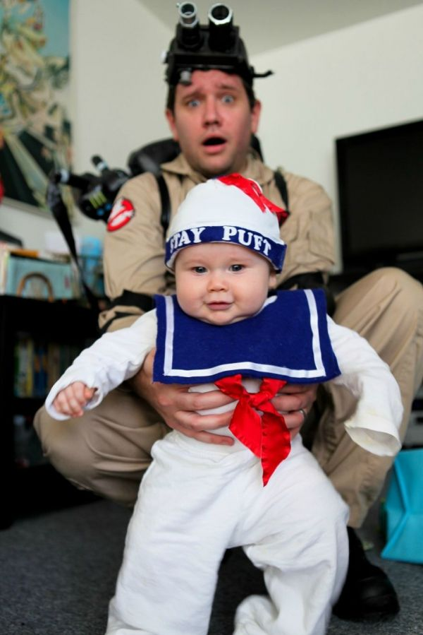 If thereu0027s something strange in your spare bedroom itu0027s probably just an adorable little Stay Puft marshmallow kid ready to share their sweetness with the ...  sc 1 st  Neatorama & 20 Fun And Creative Halloween Costume Ideas For Families - Neatorama