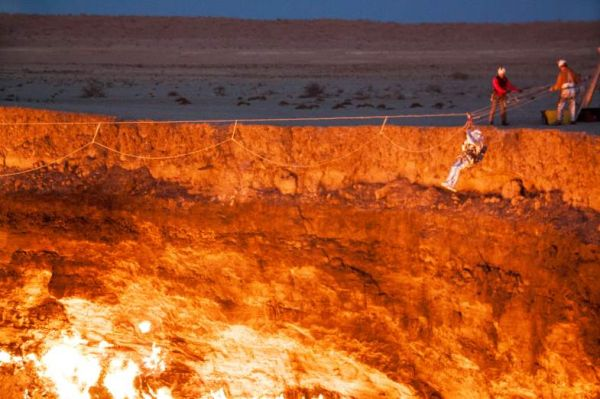 & The First Man to Descend into Turkmenistanu0027s Door to Hell - Neatorama