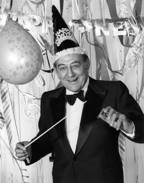 Why We Sing Auld Lang Syne on New Year's Eve