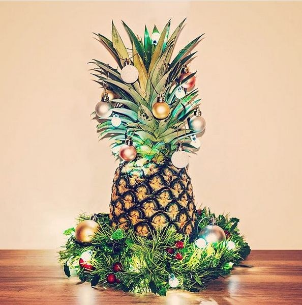 Christmas Pineapple.Why Have A Christmas Tree When You Can Have A Christmas