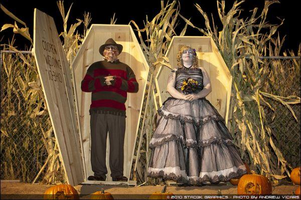 Stories and photos from a variety of halloween weddings neatorama jaclyn and matt junglespirit Choice Image