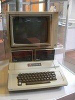 150_-apple-ii.jpg