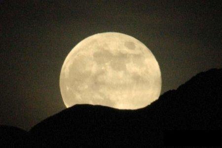 450_full-moon-rise.jpg