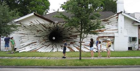 Weird Tunnel
