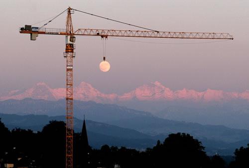 moon-crane.jpg
