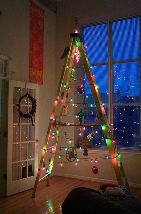 staticneatoramacomimagesb2012 1203holiday 5jpg - Cheap Christmas Tree