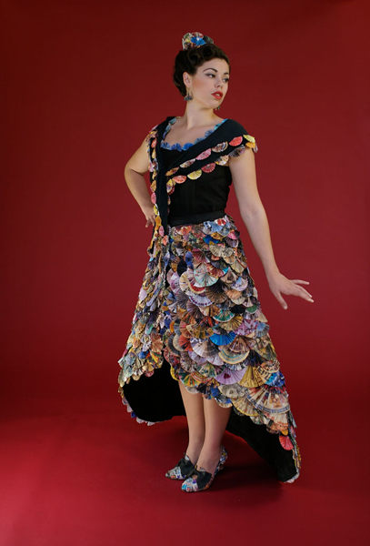 Fan Dress Uses Recycling For Couture Neatorama