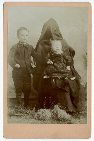 Strange Vintage Photos Of Children With Hidden Mothers