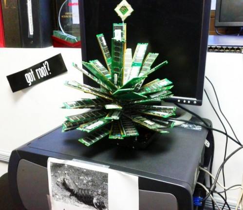 It Christmas.A Christmas Tree For The It Department Neatorama