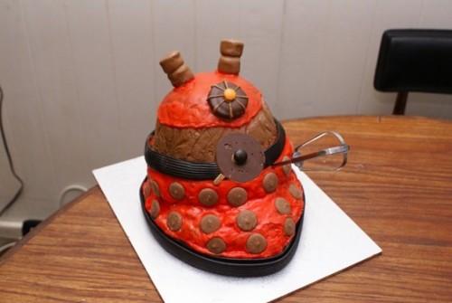 Dissectable Dalek Birthday Cake - Neatorama