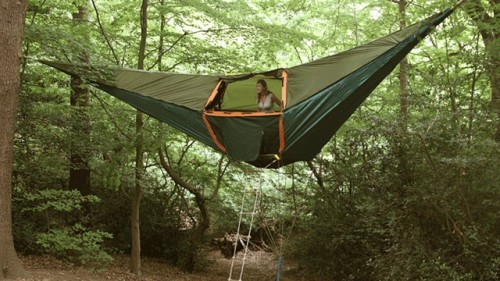 Portable Tree House : Massive hammock tent is a portable treehouse neatorama