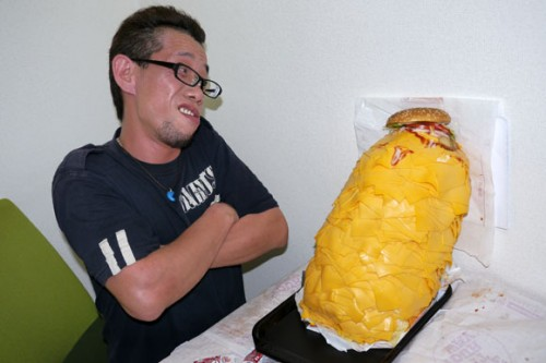 Guy who try to eat 1 050 strips of bacon burger Its back to eat 1 000 slices of cheese whopper